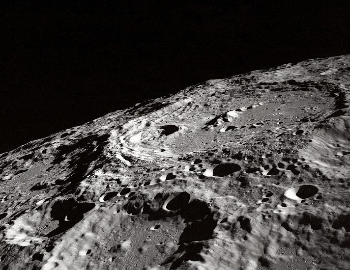 crater moon, reflector telescope